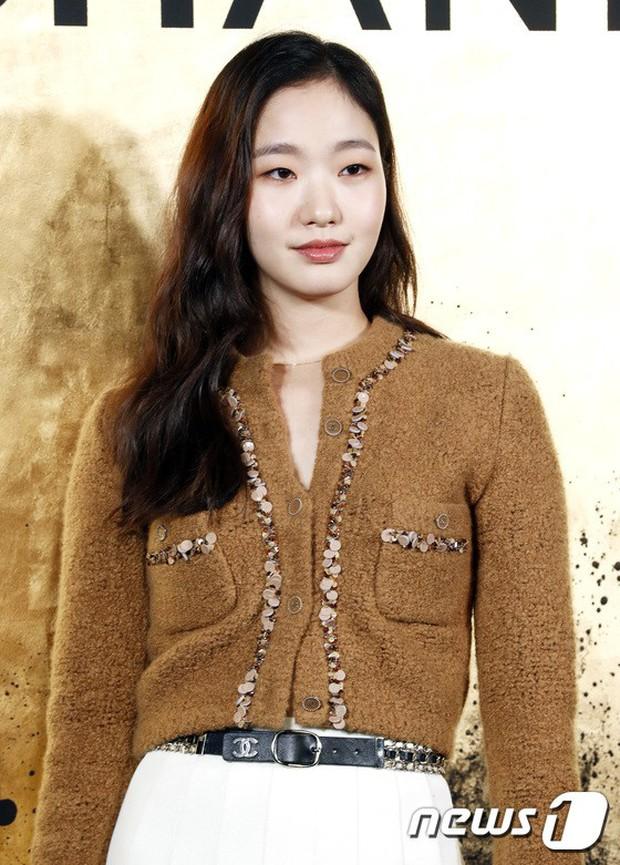 3 màn đụng độ gây bão: Sooyoung gặp cựu thành viên SNSD, nàng thơ của Lee Min Ho bị dàn idol và siêu mẫu lấn át - Ảnh 6.