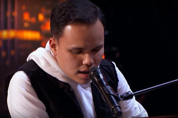 Americas Got Talent 2019: Điều kì diệu đến từ chàng trai khiếm thị mắc bệnh tự kỷ - Ảnh 2.