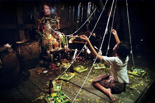 Kinh hồn bạt vía với 6 phim Thái Lan và Việt Nam đặc sắc về bùa ngải: Số 1 đang chờ ngày ra rạp - Ảnh 12.