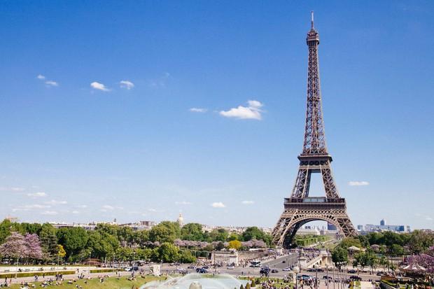 Paris sẽ xây dựng một khu vườn dành cho người đi bộ ngay dưới chân tháp Eiffel với trị giá hơn 80 triệu đô - Ảnh 1.