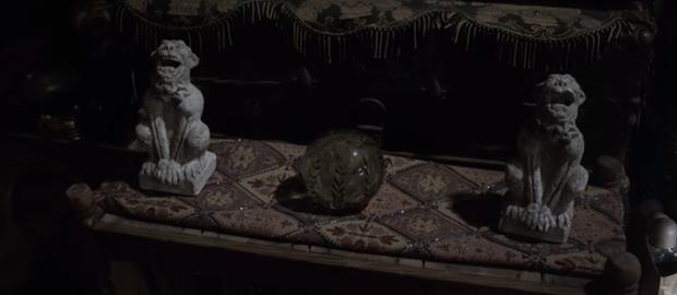 Tung trailer, Annabelle nổi điên với lũ trẻ ranh dám đột nhập tủ cúp bế của phụ huynh khi chưa được phép! - Ảnh 5.