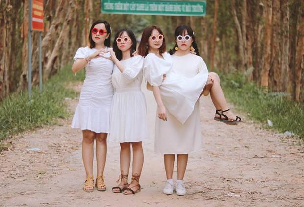 Dân tình quỳ trước bộ ảnh của hội bạn Sài Gòn: Chơi thân với nhau hơn 10 năm, hễ cứ đi du lịch là lại rủ nhau chụp hình lầy lội - Ảnh 5.