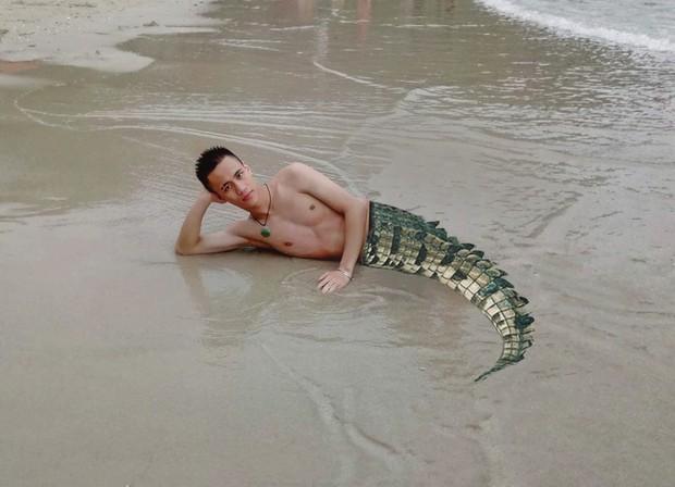 Nhờ dân mạng ghép đuôi cho giống nam thần tiên cá, chàng trai nhận những bức ảnh cười không nhặt được miệng - Ảnh 8.