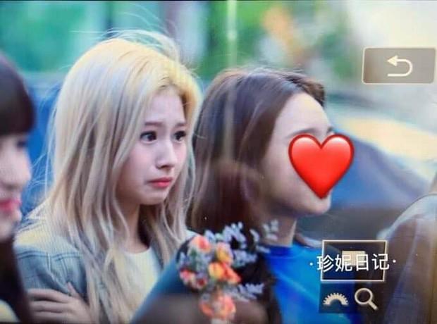 Sau Jihyo, đến lượt Sana (TWICE) bật khóc vì chịu quá nhiều áp lực từ truyền thông và netizen xứ Hàn hậu lùm xùm - Ảnh 2.