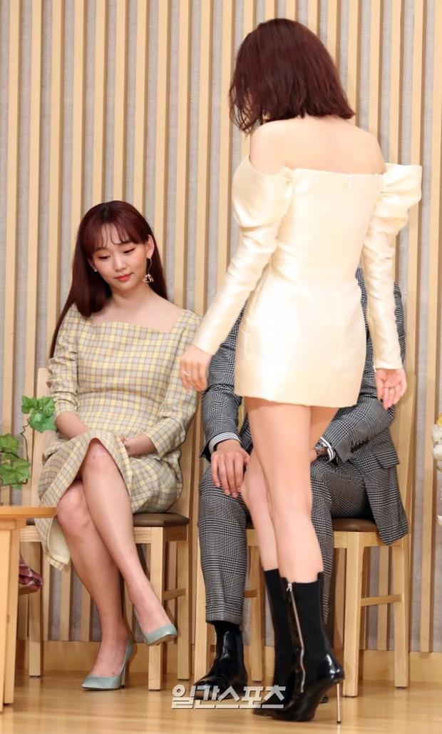 3 mỹ nhân Hàn đình đám gây sốt tại loạt sự kiện: Xuất hiện nữ thần đẹp xuất sắc, cựu idol suýt hớ hênh - Ảnh 7.