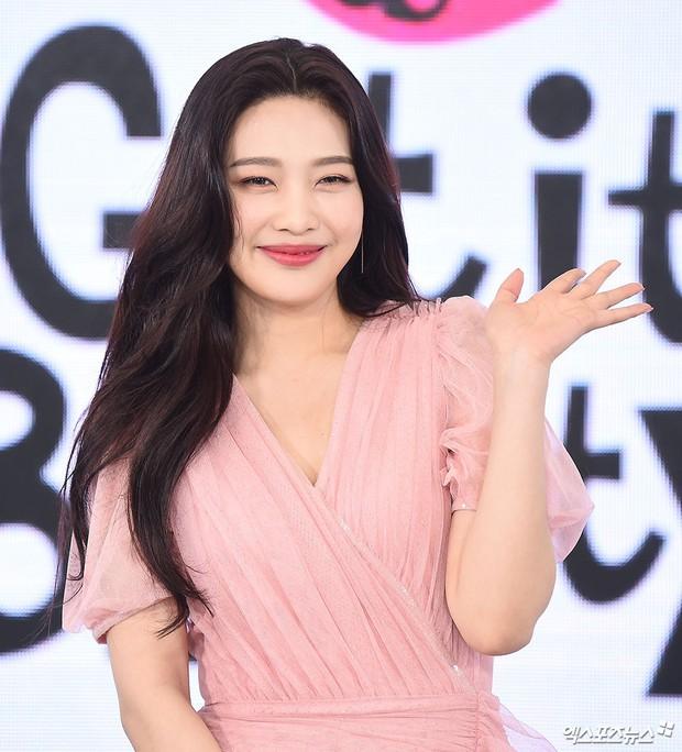 3 mỹ nhân Hàn đình đám gây sốt tại loạt sự kiện: Xuất hiện nữ thần đẹp xuất sắc, cựu idol suýt hớ hênh - Ảnh 5.