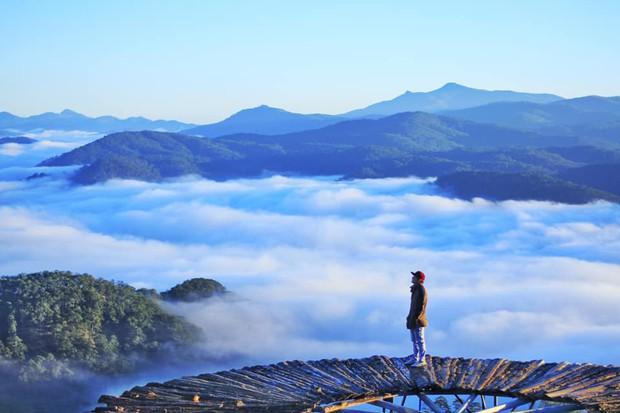 Cầu gỗ săn mây nổi tiếng ở Đà Lạt nhiều lần cấm khách tham quan: Lý do vì đâu nên nỗi? - Ảnh 2.