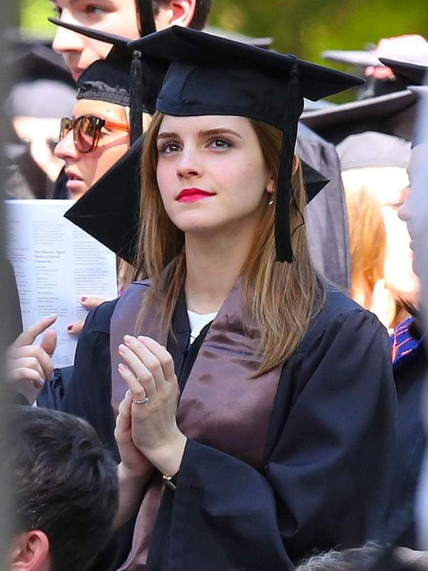 Hành trình tuột dốc nhan sắc của Emma Watson sau 18 năm: Ai ngờ Bông hoa đẹp nhất nước Anh lại chóng tàn đến vậy - Ảnh 11.
