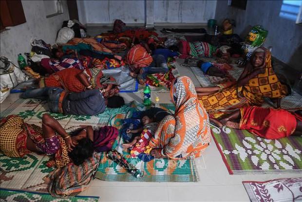 Siêu bão Fani đổ bộ vào Ấn Độ - Ảnh 1.