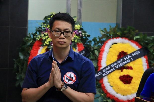 Nhiều thế hệ học trò tiễn đưa cô giáo bị tai nạn hầm Kim Liên - Ảnh 7.