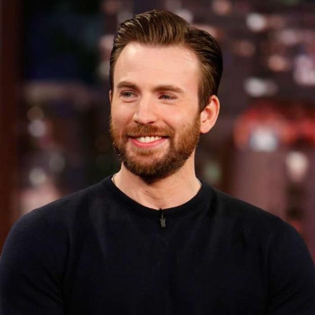 Đạo diễn ENDGAME tuyên bố thả cửa spoil từ thứ Hai, Captain America hí hửng khoe hàng nóng - Ảnh 4.