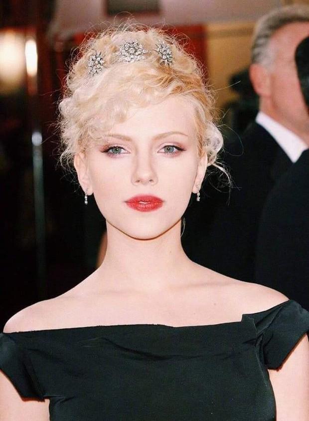 Nhìn loạt ảnh này mới thấy, Black Widow Scarlett Johansson đẹp đến nín thở vậy mà bị phim dìm hàng đi phân nửa - Ảnh 4.