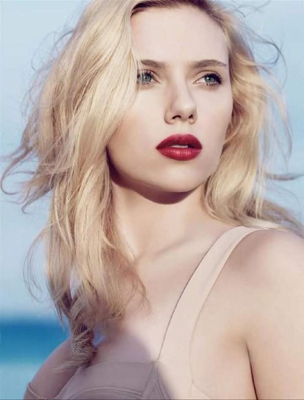 Nhìn loạt ảnh này mới thấy, Black Widow Scarlett Johansson đẹp đến nín thở vậy mà bị phim dìm hàng đi phân nửa - Ảnh 11.