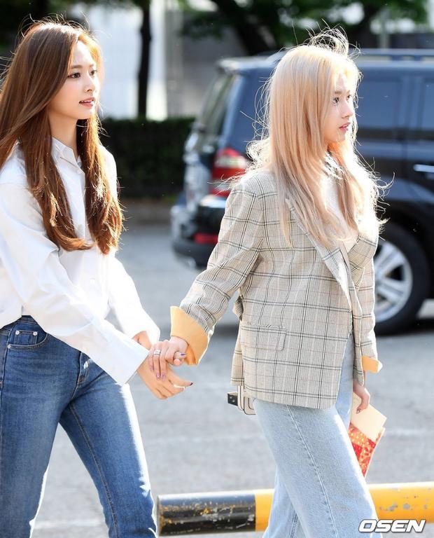 Sau Jihyo, đến lượt Sana (TWICE) bật khóc vì chịu quá nhiều áp lực từ truyền thông và netizen xứ Hàn hậu lùm xùm - Ảnh 4.