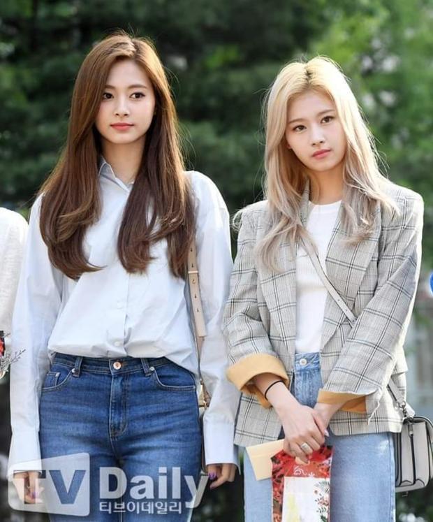 Sau Jihyo, đến lượt Sana (TWICE) bật khóc vì chịu quá nhiều áp lực từ truyền thông và netizen xứ Hàn hậu lùm xùm - Ảnh 6.
