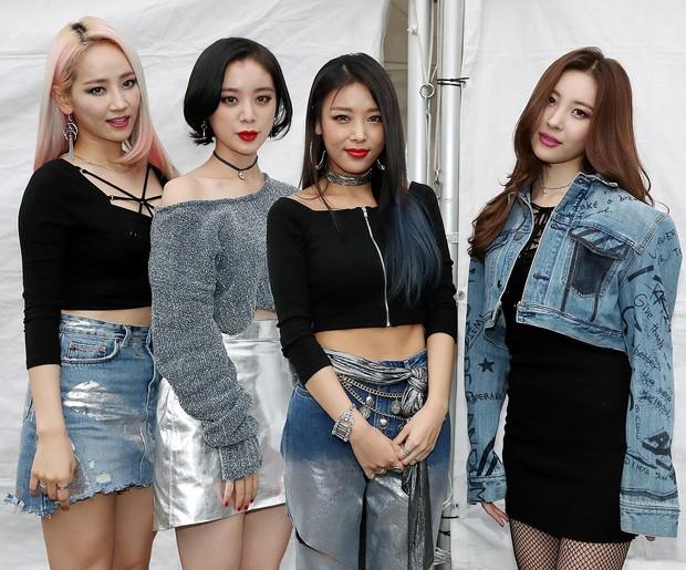 30 Idol nữ bán chạy album nhất Kpop 10 năm qua: TWICE đứng nhất cũng không bất ngờ bằng sự xuất hiện của một unit, chỉ 3 ca sĩ solo lọt top - Ảnh 6.