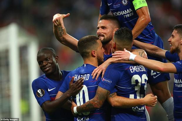 Đánh bại Arsenal ở chung kết Europa League, cầu thủ và HLV Chelsea đua nhau phá dớp, thiết lập kỷ lục mới - Ảnh 1.
