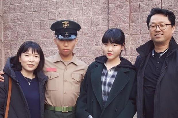 Mặc bố Yang bị nghi môi giới mại dâm, gà vừa xuất ngũ quyết tâm làm điều này như dằn mặt chủ tịch YG - Ảnh 1.