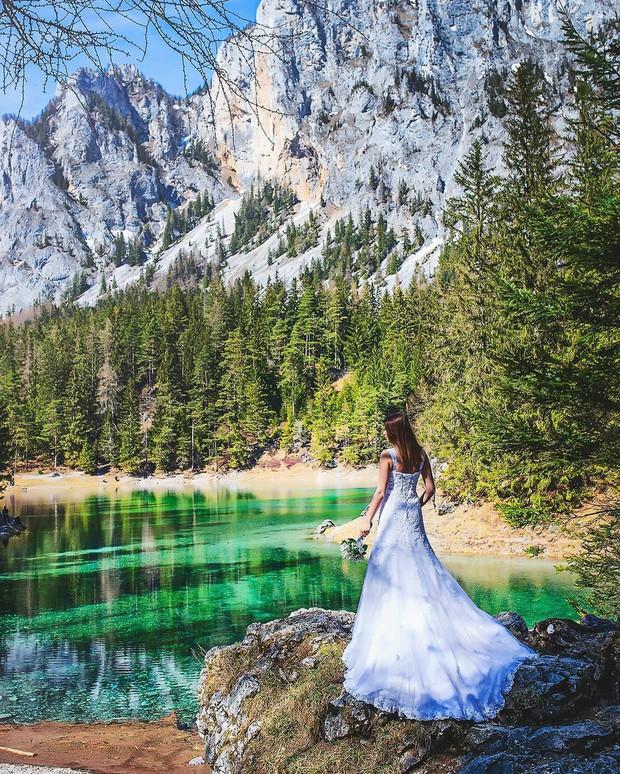 Mãn nhãn xen lẫn há hốc mồm với công viên ở Áo được ví như chốn thần tiên, mỗi năm chỉ xuất hiện 6 tháng rồi... mất tích - Ảnh 2.