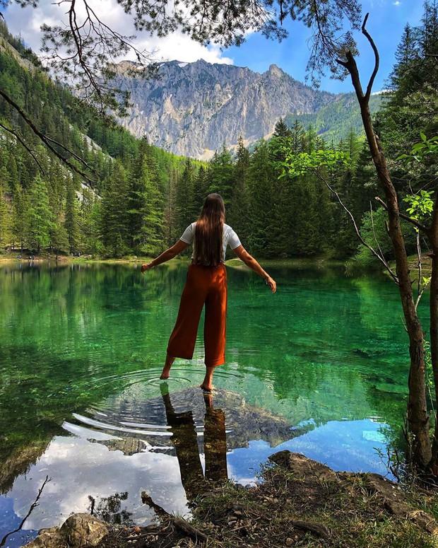 Mãn nhãn xen lẫn há hốc mồm với công viên ở Áo được ví như chốn thần tiên, mỗi năm chỉ xuất hiện 6 tháng rồi... mất tích - Ảnh 12.