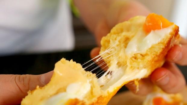 Trang ẩm thực nước ngoài chọn ra các món bánh ăn sáng ngon nhất, Việt Nam cũng lọt vào một món - Ảnh 8.