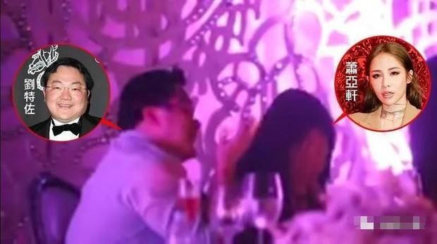 """Choáng vì vị đại gia Hoa kiều được chủ tịch YG """"chiêu đãi"""": Giàu thế nào mà được gọi là Hòa Thân của Malaysia, theo đuổi cả Miranda Kerr? - Ảnh 10."""