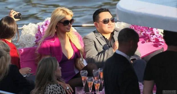 """Choáng vì vị đại gia Hoa kiều được chủ tịch YG """"chiêu đãi"""": Giàu thế nào mà được gọi là Hòa Thân của Malaysia, theo đuổi cả Miranda Kerr? - Ảnh 8."""
