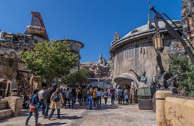 Sắp lộ diện công viên chủ đề Star Wars y hệt trong phim khiến các fan Disney đứng ngồi không yên - Ảnh 21.
