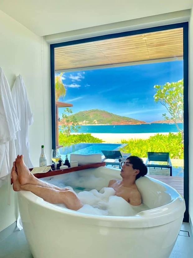 Đen như Hồ Quang Hiếu: Đăng ảnh ở bồn tắm thôi mà hết bị bóc du lịch cùng Bảo Anh, lại còn bị report Facebook - Ảnh 4.