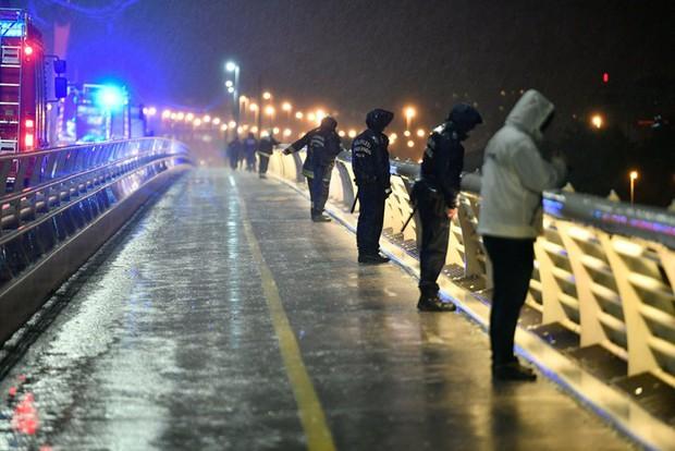 Thảm kịch chìm tàu trên sông Danube: Đẩy mạnh hoạt động cứu hộ - Ảnh 1.