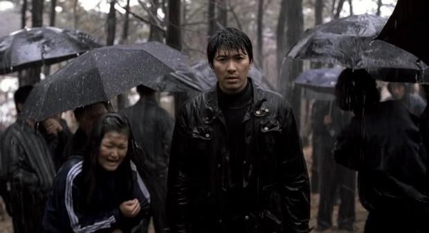 """Đẳng cấp đạo diễn Bong Joon Ho: Đưa Song Kang Ho một bước thành sao, biến """"Đội trưởng Mỹ"""" Chris Evans thành kẻ nổi loạn - Ảnh 4."""