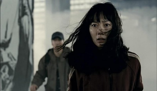 """Đẳng cấp đạo diễn Bong Joon Ho: Đưa Song Kang Ho một bước thành sao, biến """"Đội trưởng Mỹ"""" Chris Evans thành kẻ nổi loạn - Ảnh 10."""