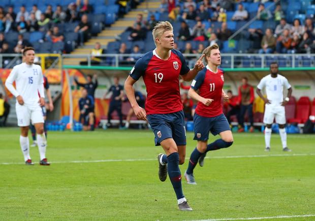 Cầu thủ sáng nhất hôm nay là đây: Ghi 9 bàn thắng để lập kỷ lục vô tiền khoáng hậu ở World Cup lứa U20 - Ảnh 3.