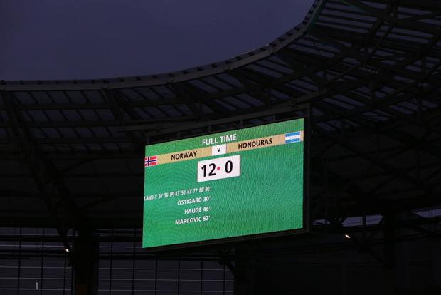 Cầu thủ sáng nhất hôm nay là đây: Ghi 9 bàn thắng để lập kỷ lục vô tiền khoáng hậu ở World Cup lứa U20 - Ảnh 8.