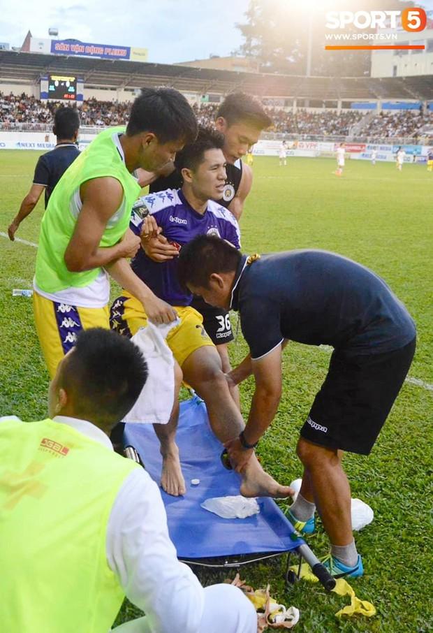 Đình Trọng bật khóc vì chấn thương, báo tin dữ cho thầy Park trước ngày hội quân dự Kings Cup - Ảnh 1.