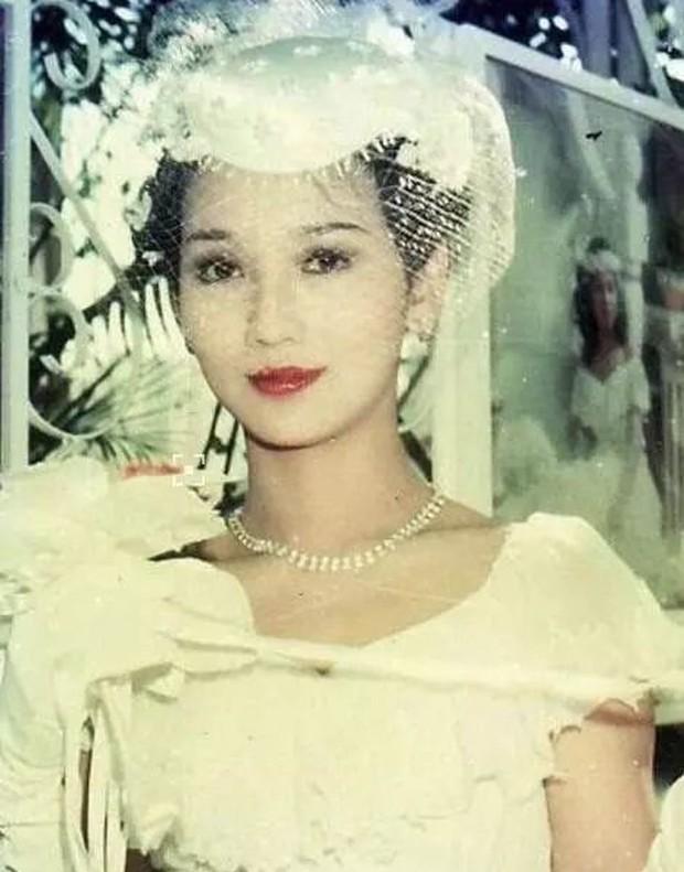 27 mỹ nhân tuyệt sắc Hong Kong mặc váy cưới tinh khôi, Lê Tư hay Châu Huệ Mẫn mới kinh diễm hơn cả? - Ảnh 8.