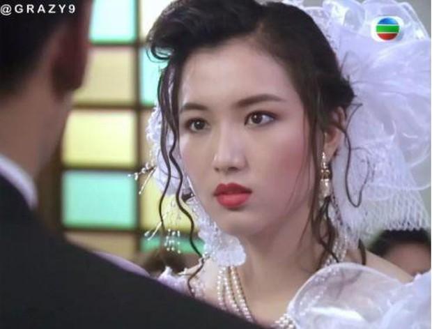 27 mỹ nhân tuyệt sắc Hong Kong mặc váy cưới tinh khôi, Lê Tư hay Châu Huệ Mẫn mới kinh diễm hơn cả? - Ảnh 10.