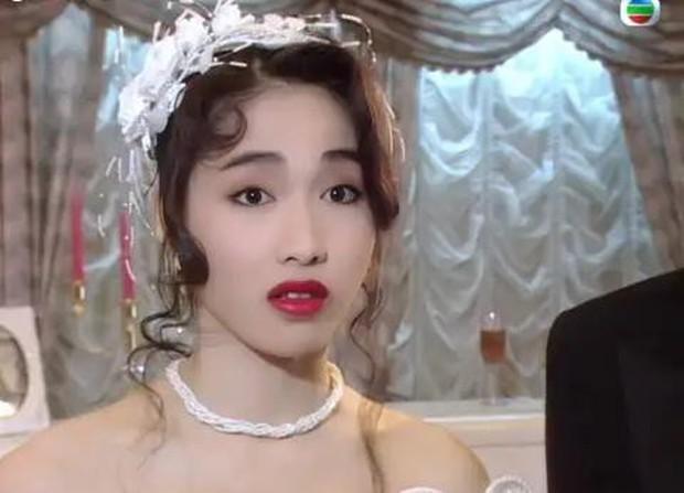 27 mỹ nhân tuyệt sắc Hong Kong mặc váy cưới tinh khôi, Lê Tư hay Châu Huệ Mẫn mới kinh diễm hơn cả? - Ảnh 13.