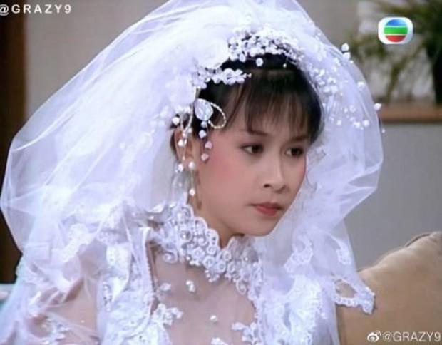 27 mỹ nhân tuyệt sắc Hong Kong mặc váy cưới tinh khôi, Lê Tư hay Châu Huệ Mẫn mới kinh diễm hơn cả? - Ảnh 14.