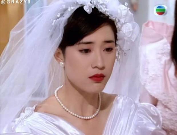 27 mỹ nhân tuyệt sắc Hong Kong mặc váy cưới tinh khôi, Lê Tư hay Châu Huệ Mẫn mới kinh diễm hơn cả? - Ảnh 16.