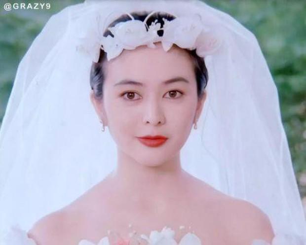 27 mỹ nhân tuyệt sắc Hong Kong mặc váy cưới tinh khôi, Lê Tư hay Châu Huệ Mẫn mới kinh diễm hơn cả? - Ảnh 2.