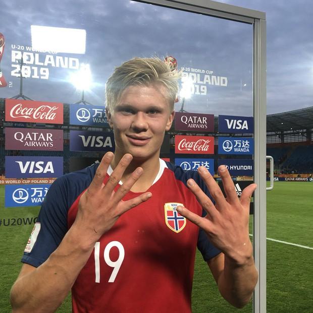 Cầu thủ sáng nhất hôm nay là đây: Ghi 9 bàn thắng để lập kỷ lục vô tiền khoáng hậu ở World Cup lứa U20 - Ảnh 12.