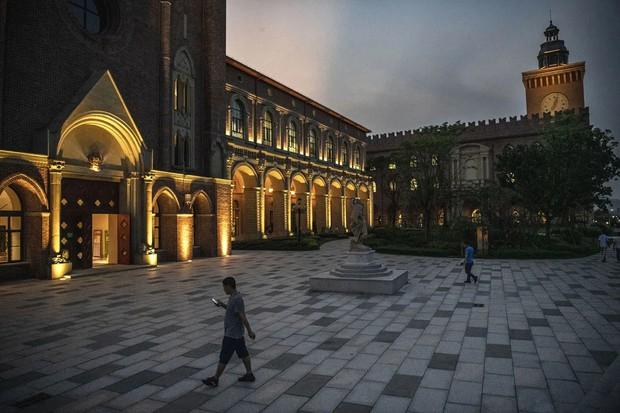 Đại bản doanh của Huawei ở Trung Quốc đẹp tựa châu Âu thu nhỏ, nhân viên đi làm mà cứ như đi nghỉ dưỡng - Ảnh 21.