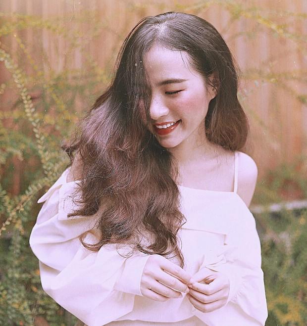 Nữ giảng viên Bình Dương xinh đẹp hơn cả idol Hàn Quốc khiến chẳng trò nào dám nỡ lòng nào trốn tiết! - Ảnh 3.