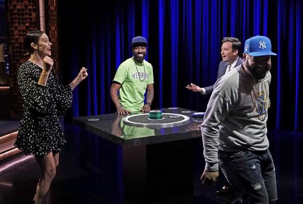 Talkshow nổi tiếng của Mỹ nhận gạch đá vì trò đùa body shaming nhắm tới rắn chúa Taylor Swift - Ảnh 1.