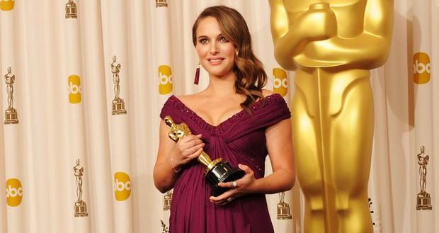 7 ngôi sao lừng lẫy từng đoạt tượng vàng Oscar góp mặt trong ENDGAME, bạn đoán xem đó là ai? - Ảnh 15.