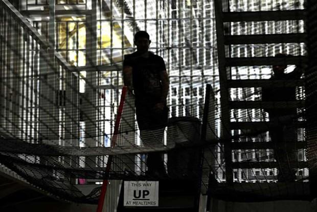 Cuộc khủng hoảng sức khỏe tâm thần của phạm nhân trong các nhà tù ở Anh - Ảnh 1.