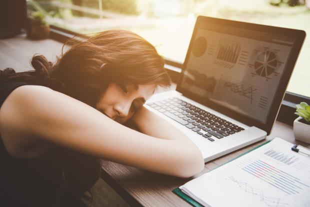 Những kiểu ngủ sai cách khiến sức khỏe của bạn dần đi xuống, thậm chí còn có thể gây tử vong - Ảnh 2.
