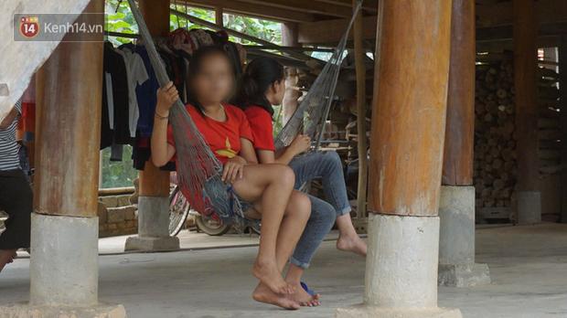 Bản làng nơi những ông trùm ma túy gieo rắc cái chết trắng: Cha mẹ chết vì HIV, con trẻ mồ côi sống lay lắt từng ngày - Ảnh 9.