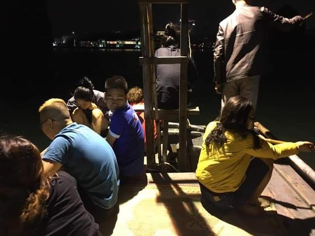 Bùng phát tour câu mực đêm chui trên vịnh Hạ Long - Ảnh 2.